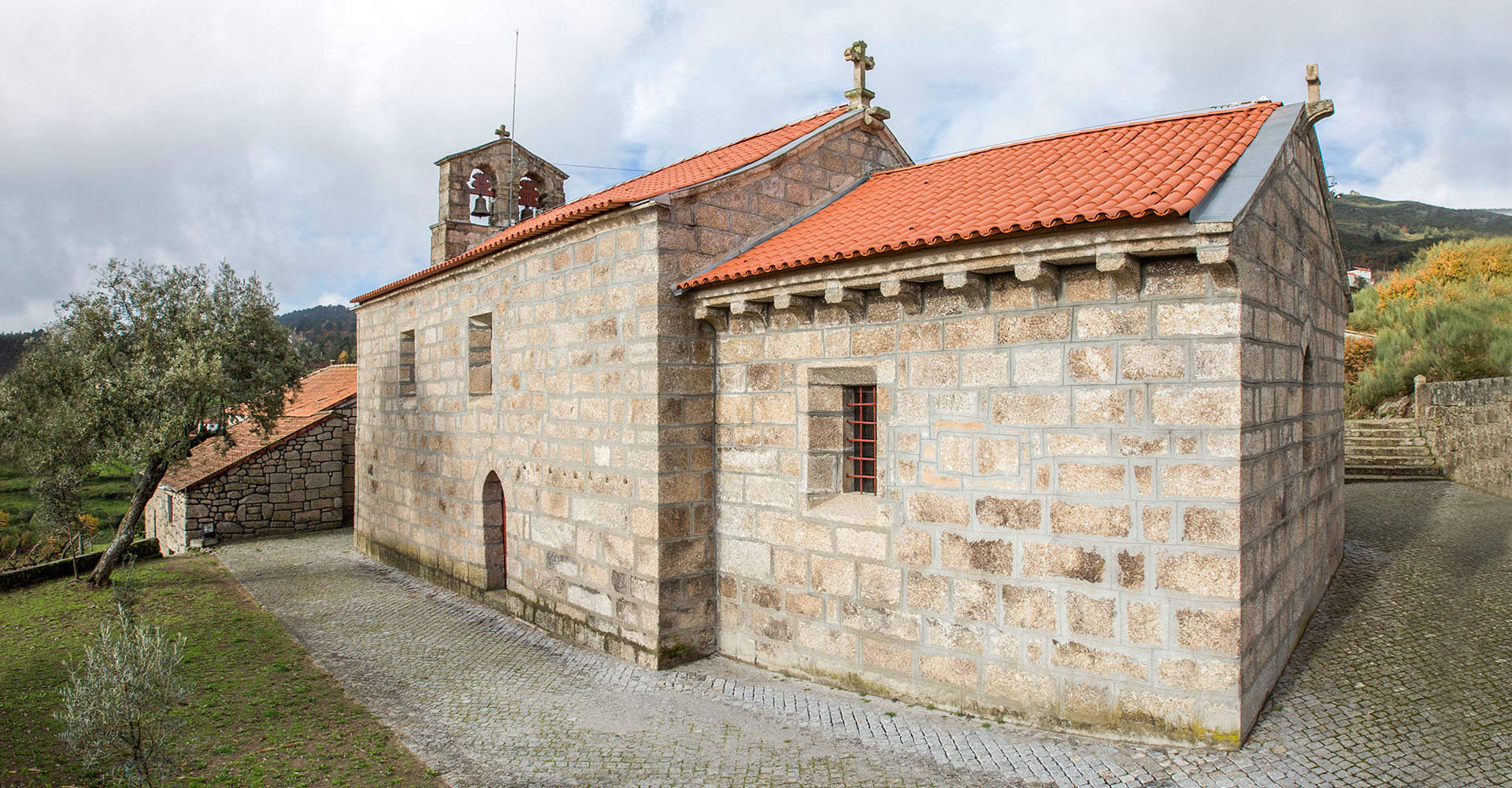 Valadares Church